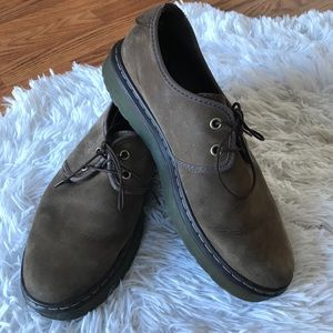 Dr Martens York Plain Toe Shoes
